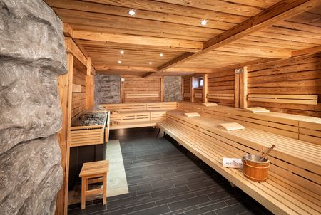 Spa und Wellness-Referenzen: Asia Spa, © Christian Wöckinger, Badegenuss in der Stollensauna
