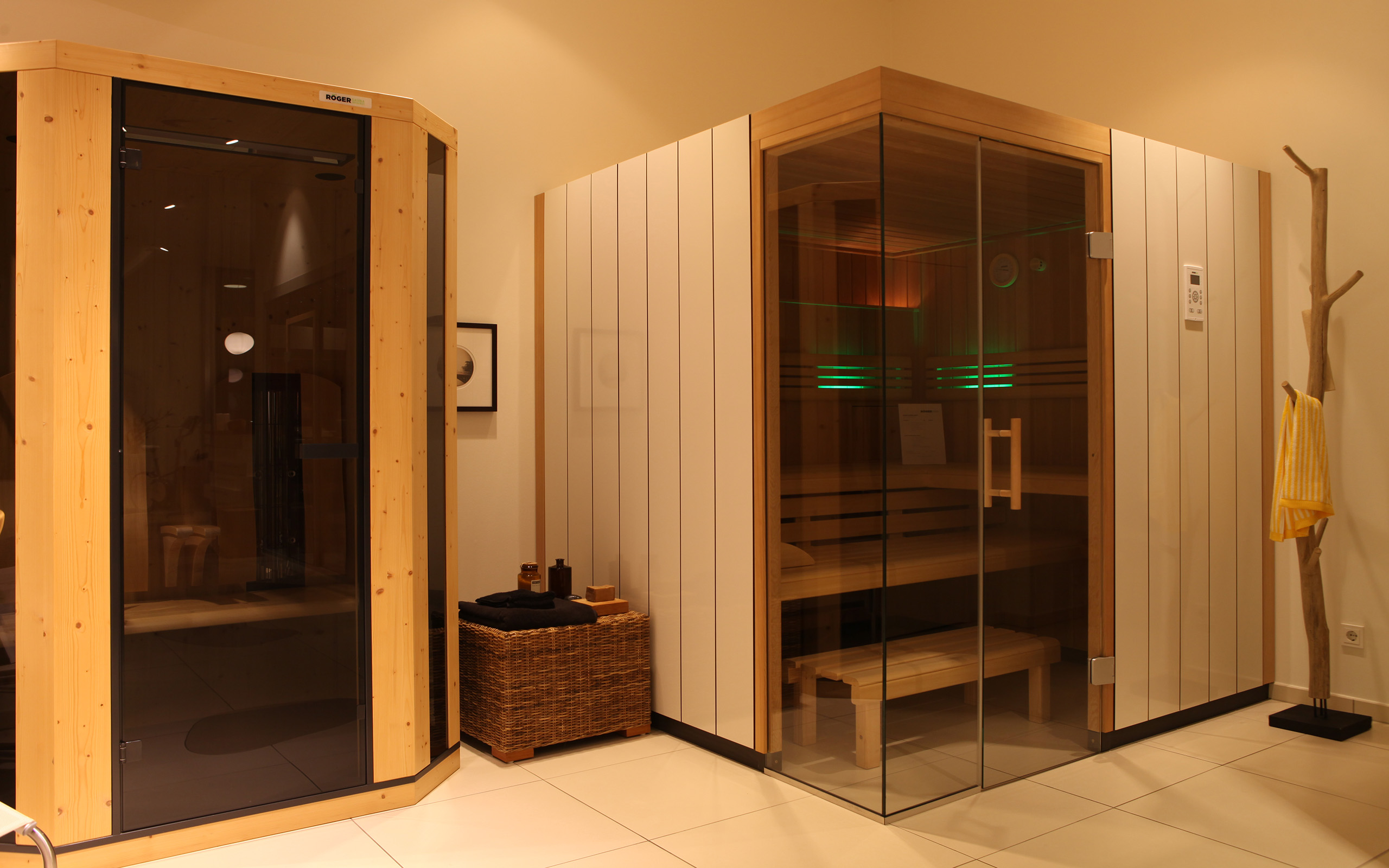 sauna ausstellung in saarbr cken. Black Bedroom Furniture Sets. Home Design Ideas